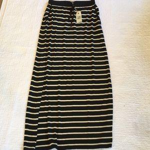 NWT MAX STUDIO (weekend) maxi skirt